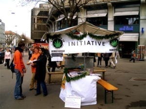 Marijuana drive to sign the petition