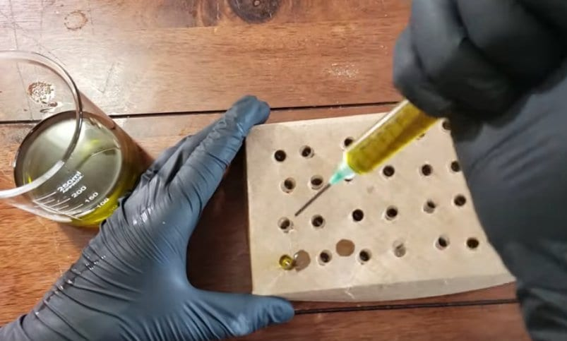 filling weed pill capsules